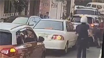 移工逃逸兩年 遭臨檢竟「棄車逃逸」  員警一路鳴笛追逐