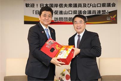 台日友好!黃偉哲暖贈愛文芒果 日本防衛大臣致函表達感謝