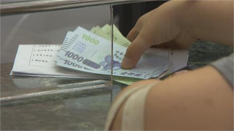 店家兌領紙本五倍券 首日498萬張金額26億元