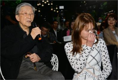 「一代名模」周丹薇與李行導演情同父女 得知噩耗後哽咽無法接受