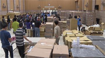 企業暖捐70萬片口罩!校警、廚工每人20片