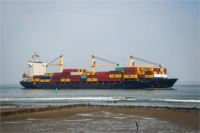 航運危機!逾350艘貨輪「塞在海上」全球港口陷65年來最大混亂