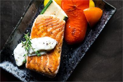 吃魚就怕要挑刺!達人傳授「免碰手三步驟」輕鬆享用無煩惱