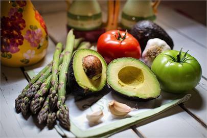 確診別慌!美女營養師揭「3大營養重點」:這樣吃就能快速康復