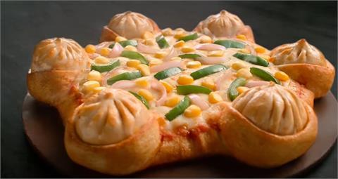 印度比台灣還狂!披薩完美融合「湯包」網笑歪:義大利出兵也不意外