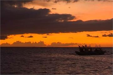 長灘島今起封島6個月  居民自發性展開淨灘