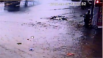 扯!廠商未開水門排洪 豐原馬路淹成泥流