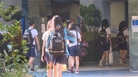 12歲到17歲學生將開打BNT 教育部:可申請3天疫苗假