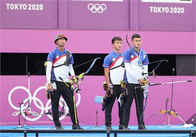 東奧/贏中國了!台灣射箭男團挺進4強 5:1順利射退中國