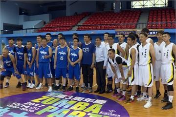 華航董座何煖軒 為新聞盃籃球賽開球