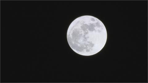 秋意漸濃!週五入秋首波東北風到 中南部中秋節雲量偏多 賞月指數三顆星
