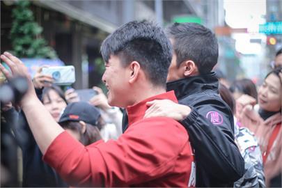 快新聞/力挺陳柏惟! 吳怡農:台中人用熱情選出來「讓我們勇敢守住他」