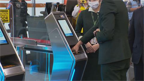 結合人臉辨識.護照.登機證零接觸省人力松機試辦「3e-PASS」智慧通關