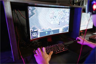 培養電玩紅衛兵?中國限遊再出招推「全民舉報平台」抓年輕人偷玩!