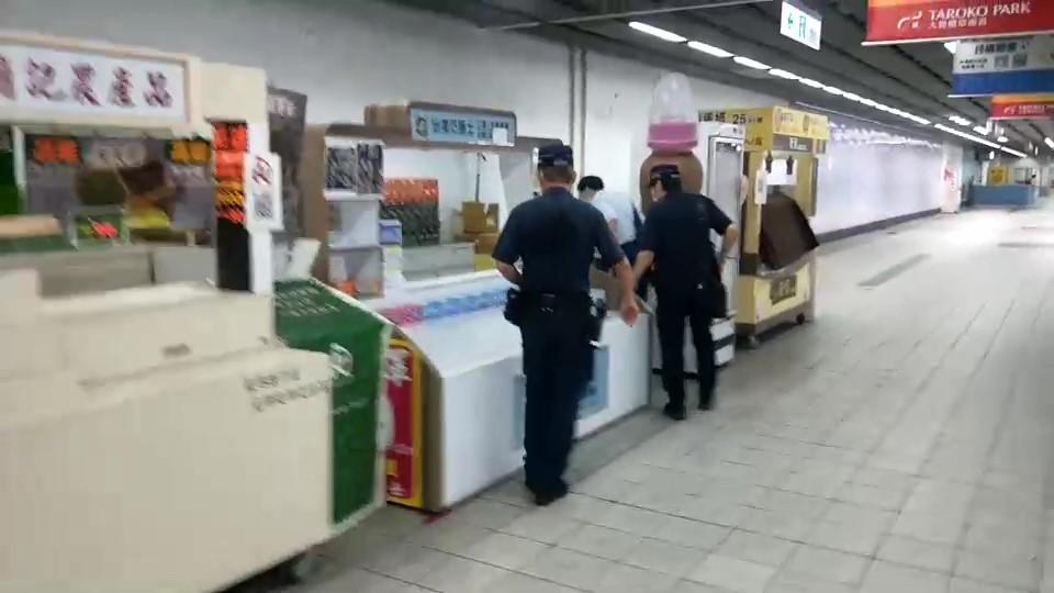 快新聞/高雄捷運接獲「炸彈恐嚇留言」 緊急通報捷運警察、加強巡邏