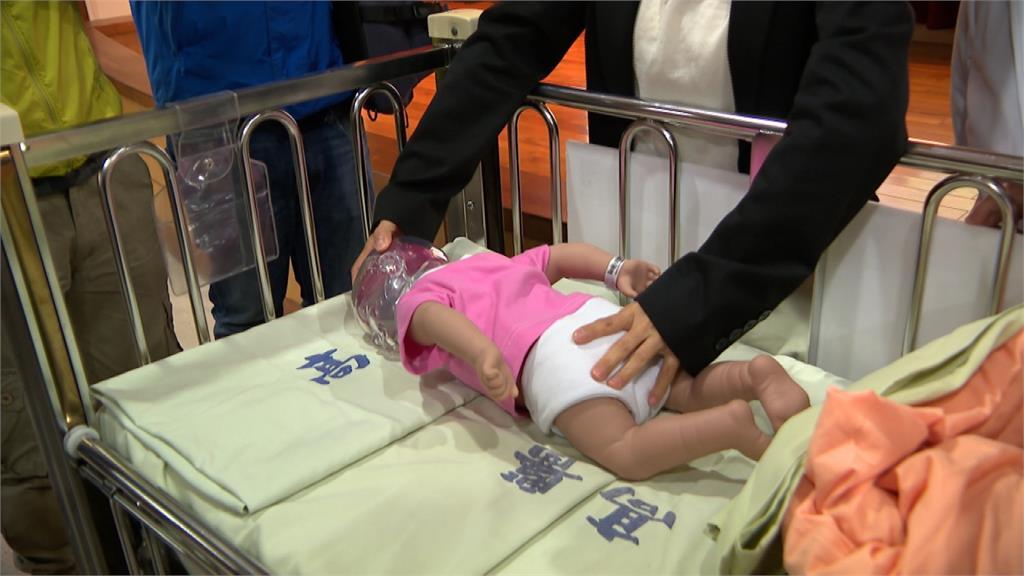 4月大男嬰窒息口吐白沫急送醫!醫師警告:嬰兒趴睡為大忌