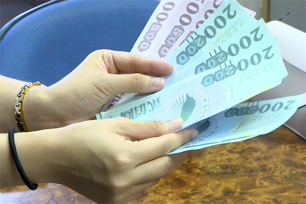 快新聞/振興券要升級!8綠委提2呼籲:不拿現金換、各產業類券擴大發放