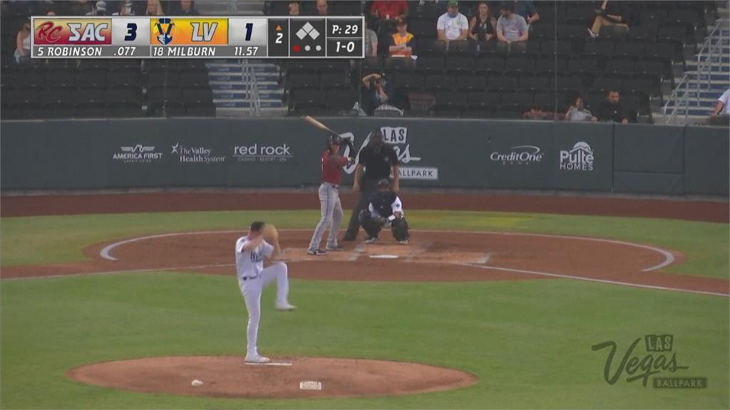 MLB/去年舉槍自盡生還!獨眼羅賓遜復出開轟落淚