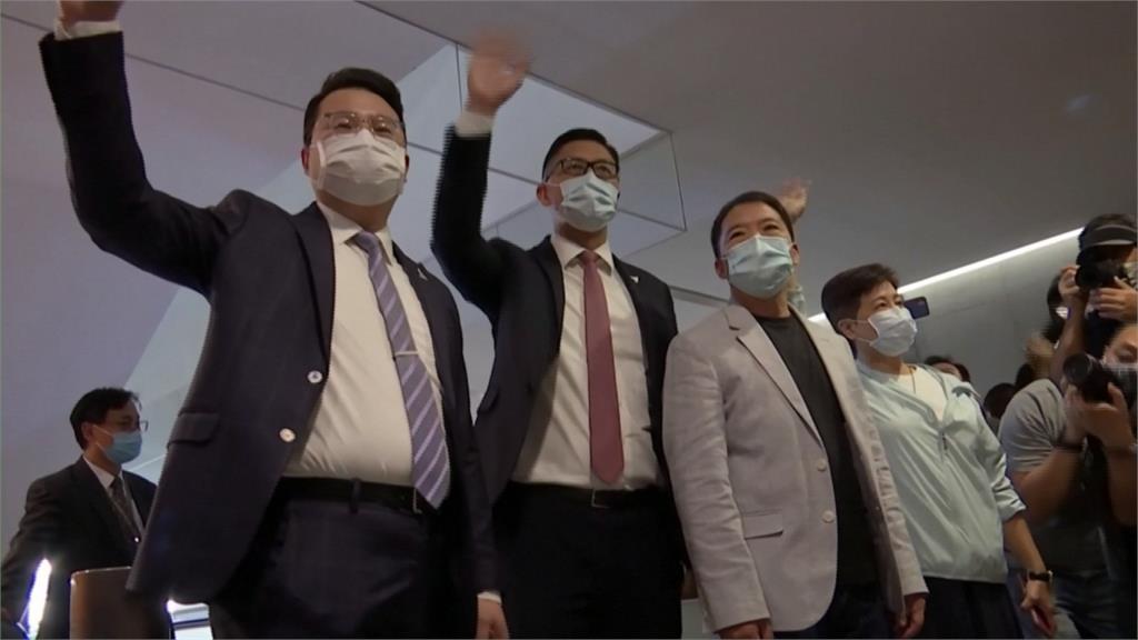 港取消4議員資格 其餘15名泛民議員全請辭