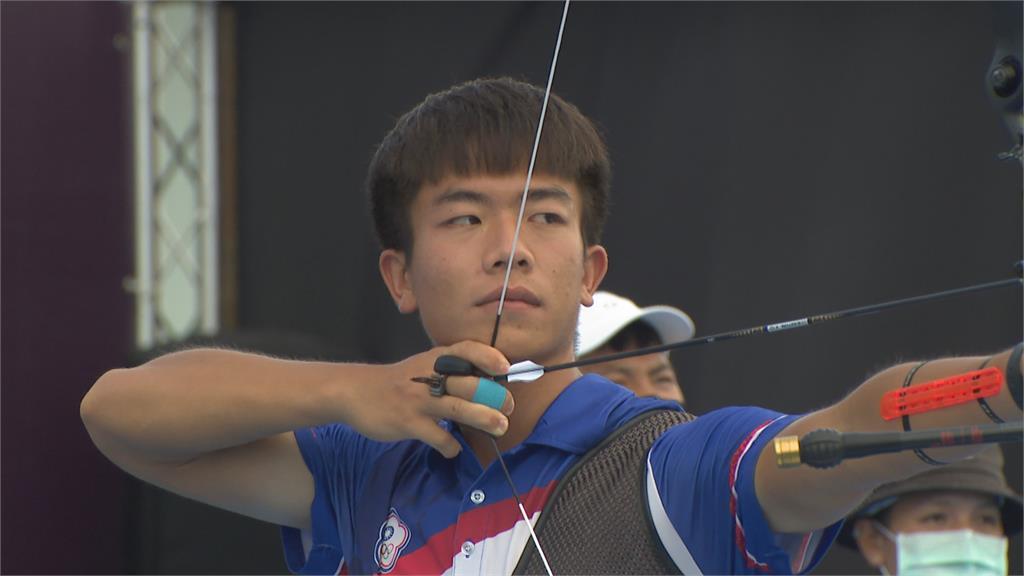 最後一箭射出7分落敗 鄧宇成男單64強出局