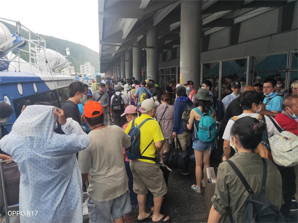 快新聞/輕颱「閃電」逐漸遠離台灣 台東往返綠島「這個時段」不對外售票