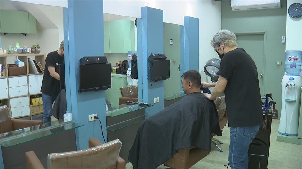 男染完頭髮騙「去領錢」一去不回 美髮店怒:把別人的努力當什麼!