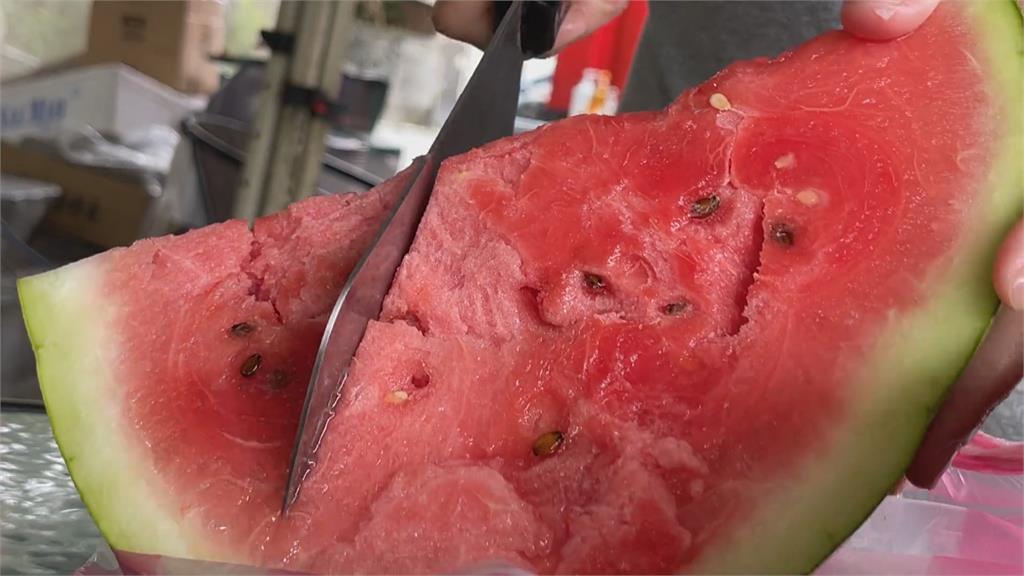 降雨穩定、灌溉用水充足 花蓮玉里紅肉大西瓜甜度達15度