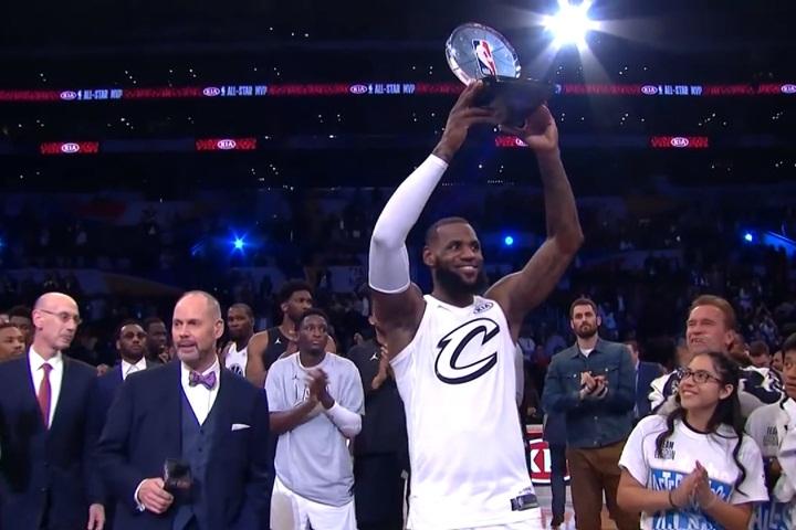 NBA明星賽》分手還是最佳隊友 詹姆斯隊險勝柯瑞隊