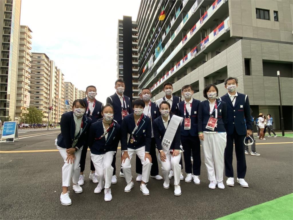 東奧/台灣隊11人參加開幕式 盧彥勳、郭婞淳正式服裝亮相