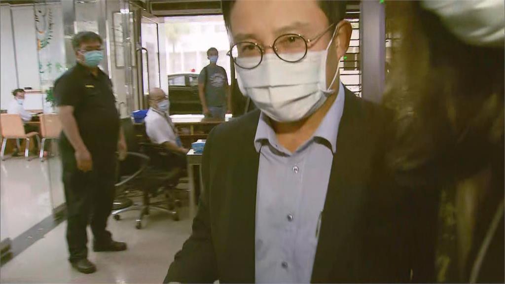 電梯大廠永大涉內線 許作名30萬交保限出境