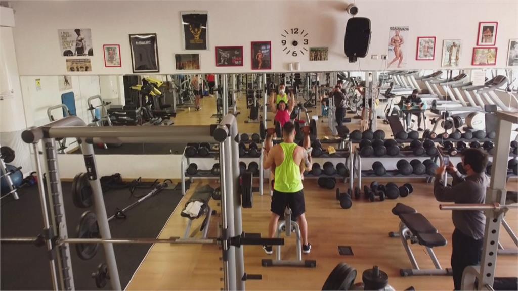 比原訂日期提早一週開放 義大利民眾立刻返健身房