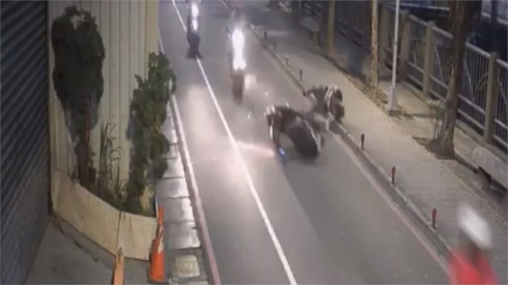 中和和城路 員山路口 路面高低差 騎士超會雷殘 居民最怕有人來招魂