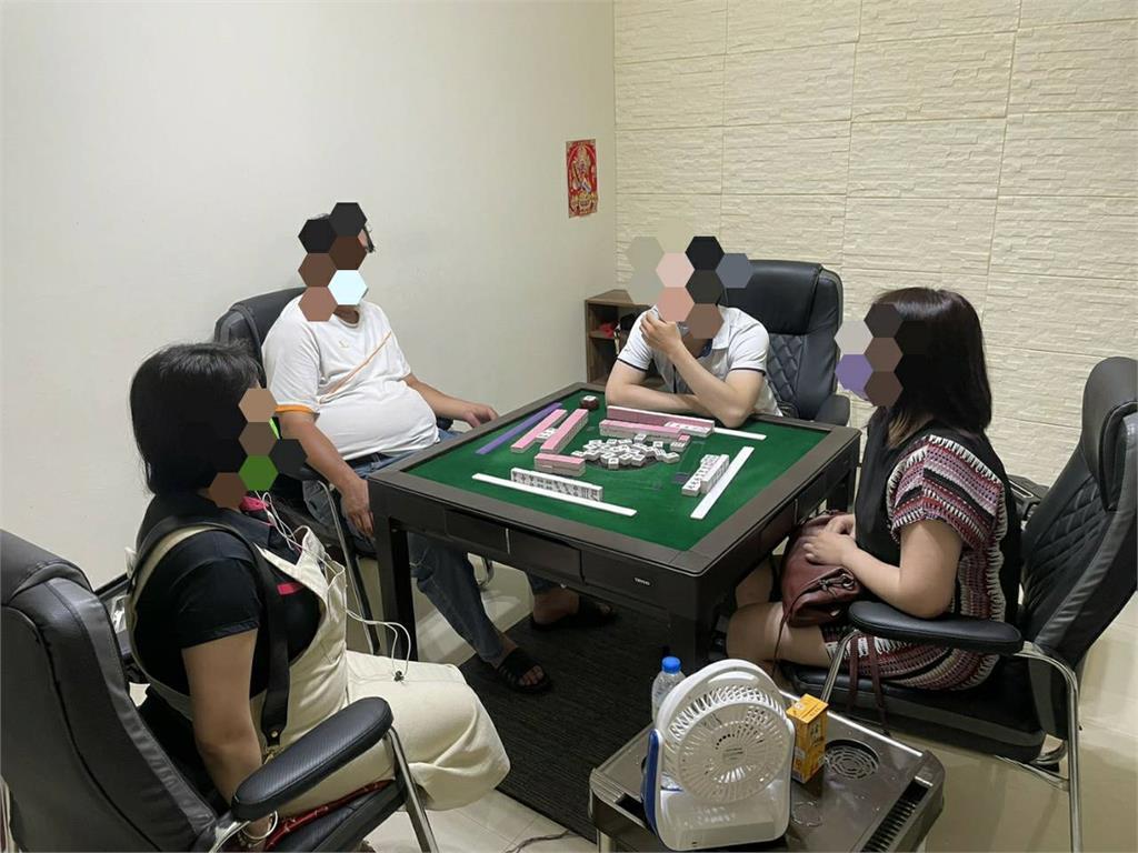 快新聞/桃園職業賭場偷偷開 深夜群聚打麻將12人被逮