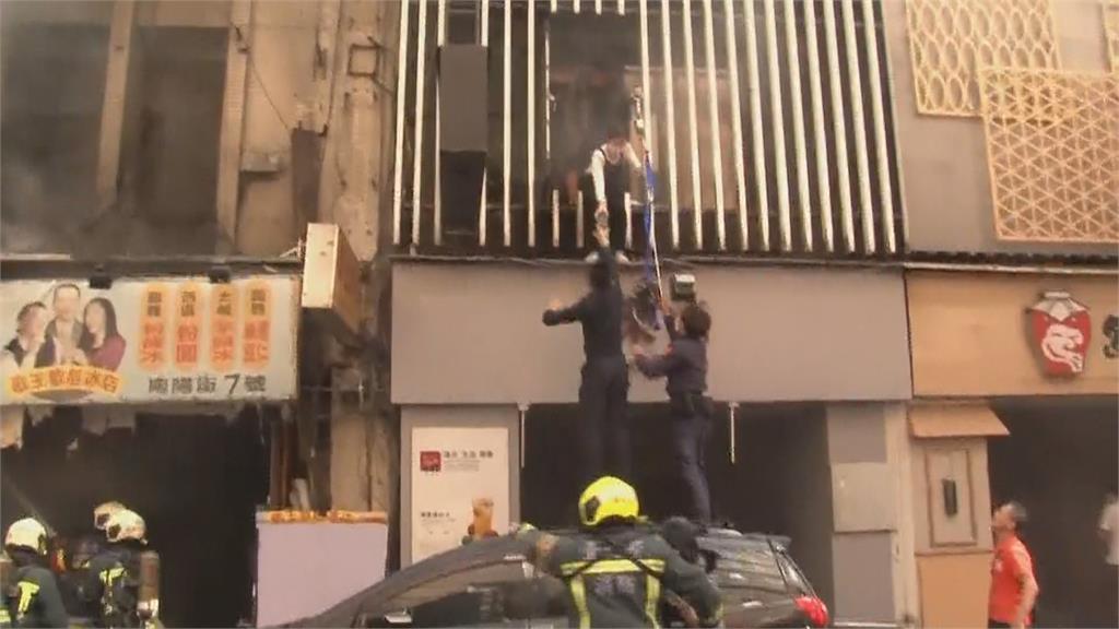 台北「補習街」火燒2樓 打網咖民眾跳窗求生
