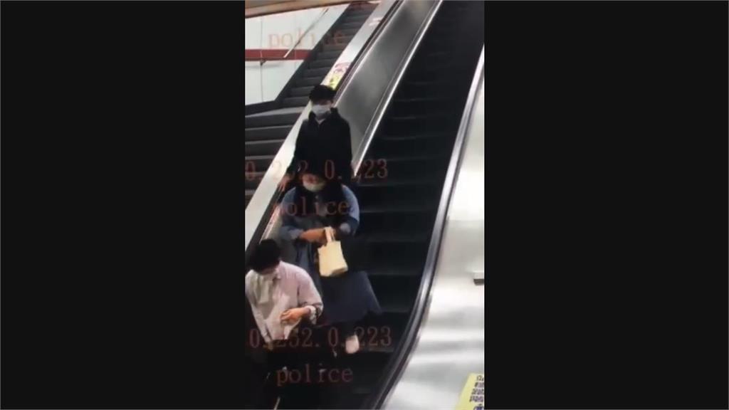 快新聞/內湖捷運站出現「剪髮怪客」! 妙齡女摸頭抓下一撮頭髮 警掌握嫌疑人