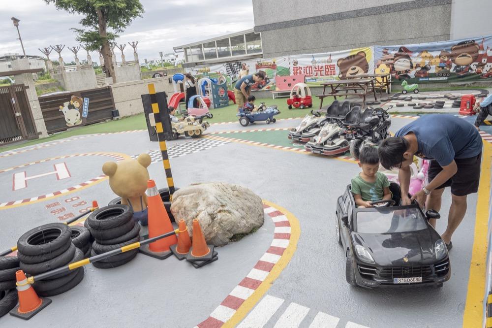 旅遊/台東親子特色民宿 貓追熊親子民宿|親子歡樂的遊樂場 整個城市都是我的賽車場