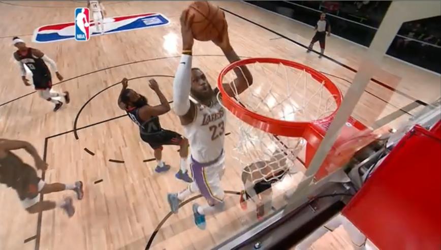 詹皇16度入選年度最佳陣容 獨居NBA史上第一
