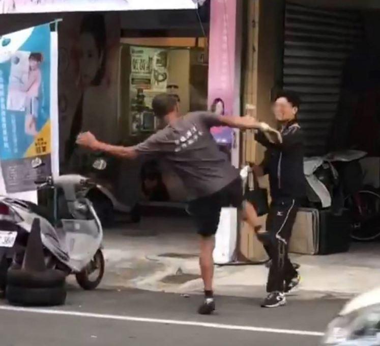 員警下班扮檢舉達人 引發民眾不滿被毆打