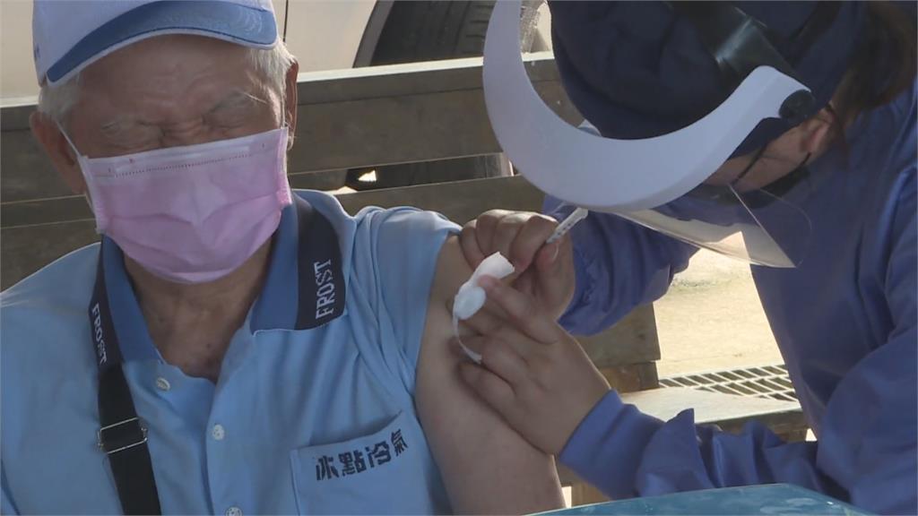 考量長者行動不便、臥病在床 花蓮瑞穗推「到府打疫苗」服務