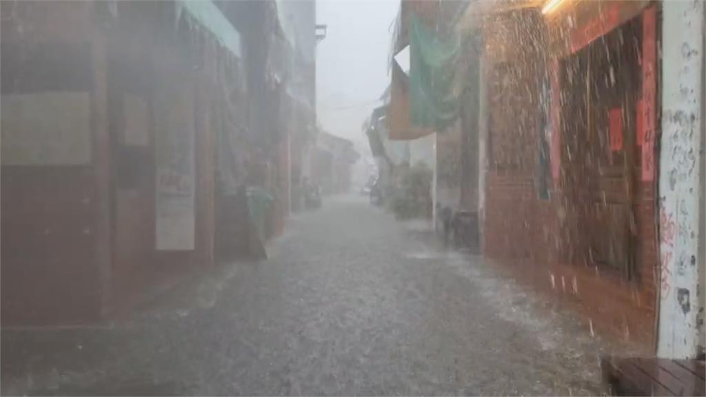 梅雨鋒面來襲12縣市豪大雨特報 颱風「彩雲」將生成對台影響不大