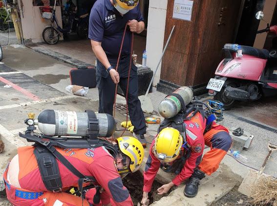 快新聞/台中涵洞5工人疑挖破瓦斯管線窒息命危  全數鬼門關前走一遭被救回