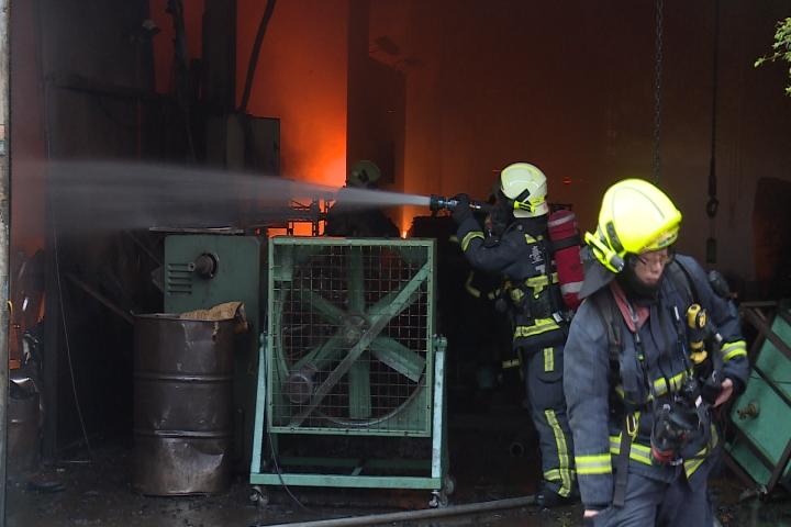 太平永豐路工廠火警 延燒三棟廠房