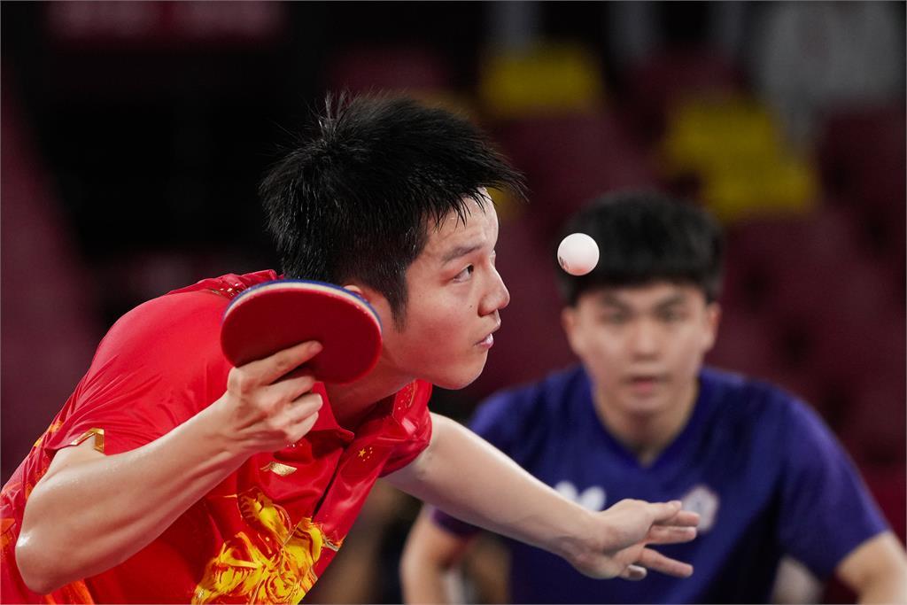 東奧/肯定林昀儒高水準表現!「球王」樊振東賽後:很艱難才贏下比賽