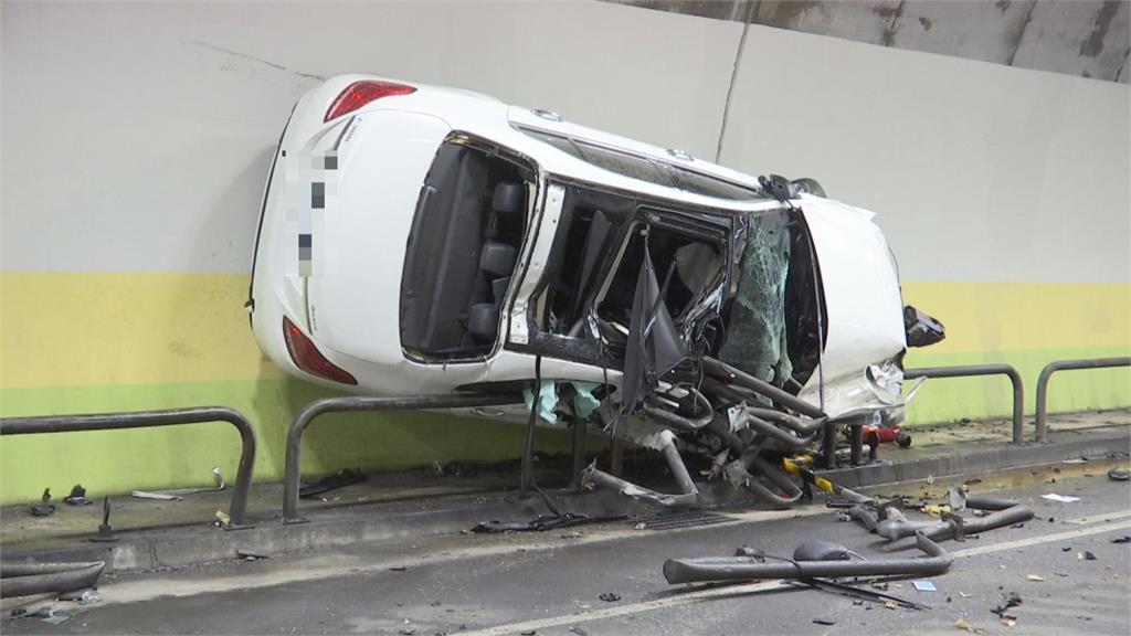 賓士男酒駕轟炸「內湖隧道」學車神舒馬克?貼壁刷護欄近200米