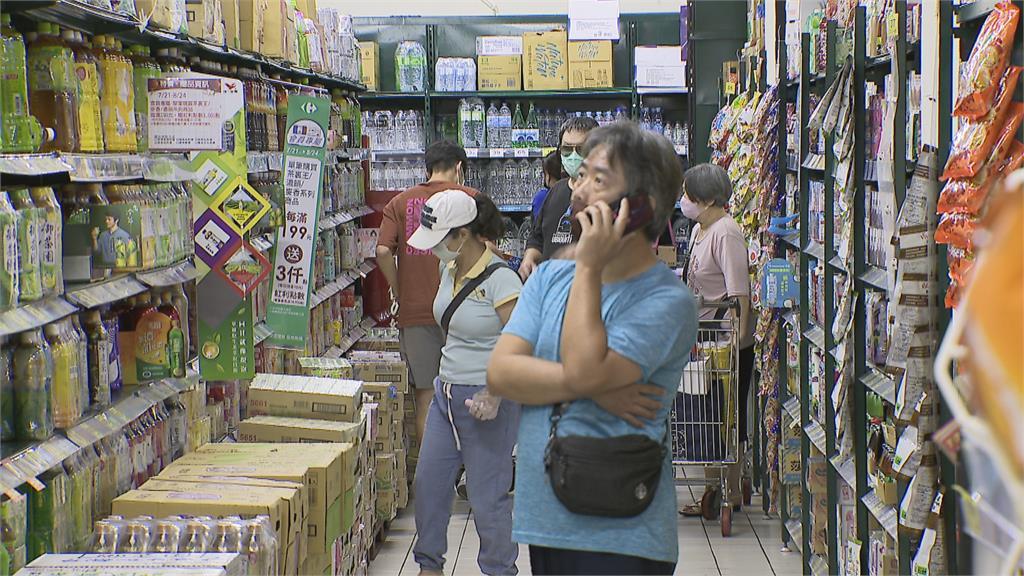 民眾搶物資 泡麵、罐頭、蔬菜備貨量增加2~3成