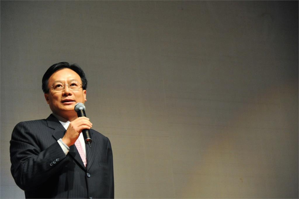 快新聞/朱立倫宣布參選黨主席 卓伯源:國民黨「換新」才能真正改變