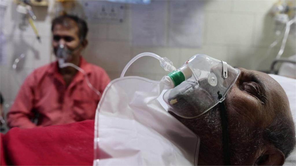 全球/疫情失控急速崩壞 印度全境上演大逃亡