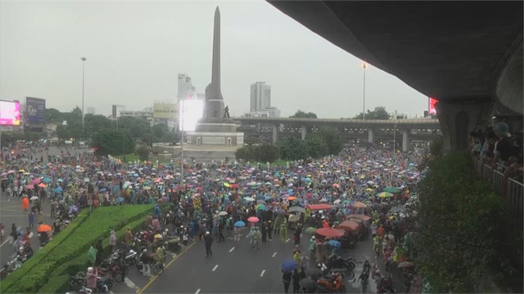 泰國學運遍地開花施壓有效?總理表示願討論解決之道