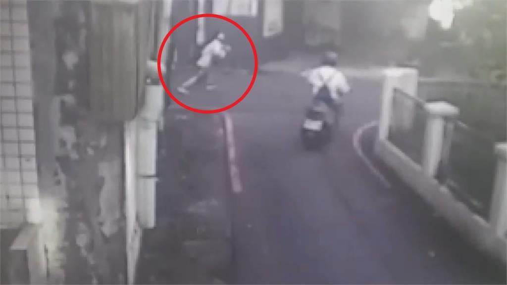 快新聞/宜蘭女國中生上學途中遭陌生男攔下! 警2小時逮人 怪男稱「想搭訕」