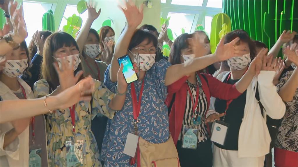 快新聞/帛琉首航團123人檢驗均陰性! 下午2時啟程 陳時中直呼「很開心」